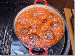 Meatballs in Sauce on Primo